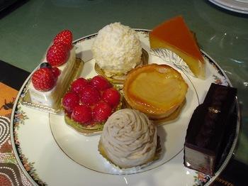 2012Nov30-Cakes.jpg